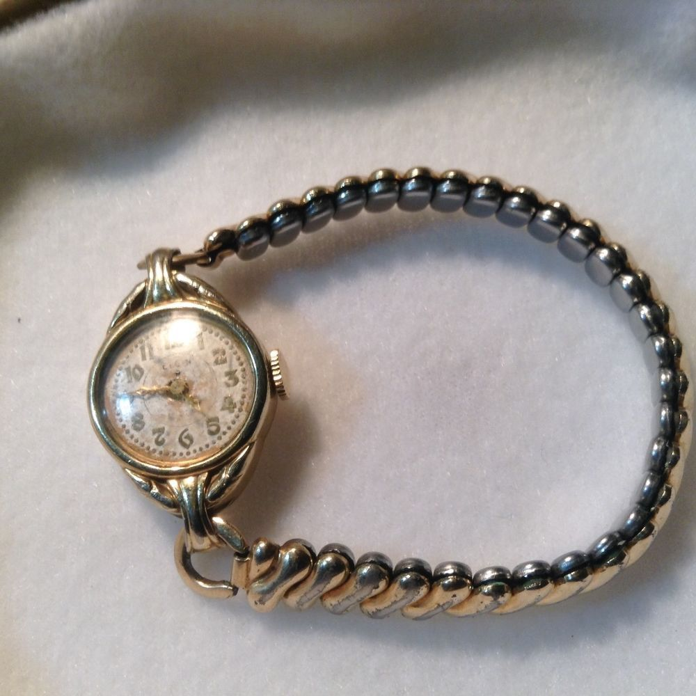 Vintage elgin gold filled watch women s winding style no battery