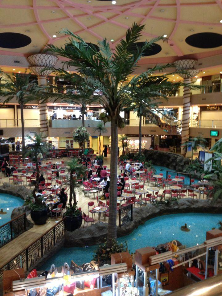 Jeddah Mall It's at the basement of Movempick Hotel