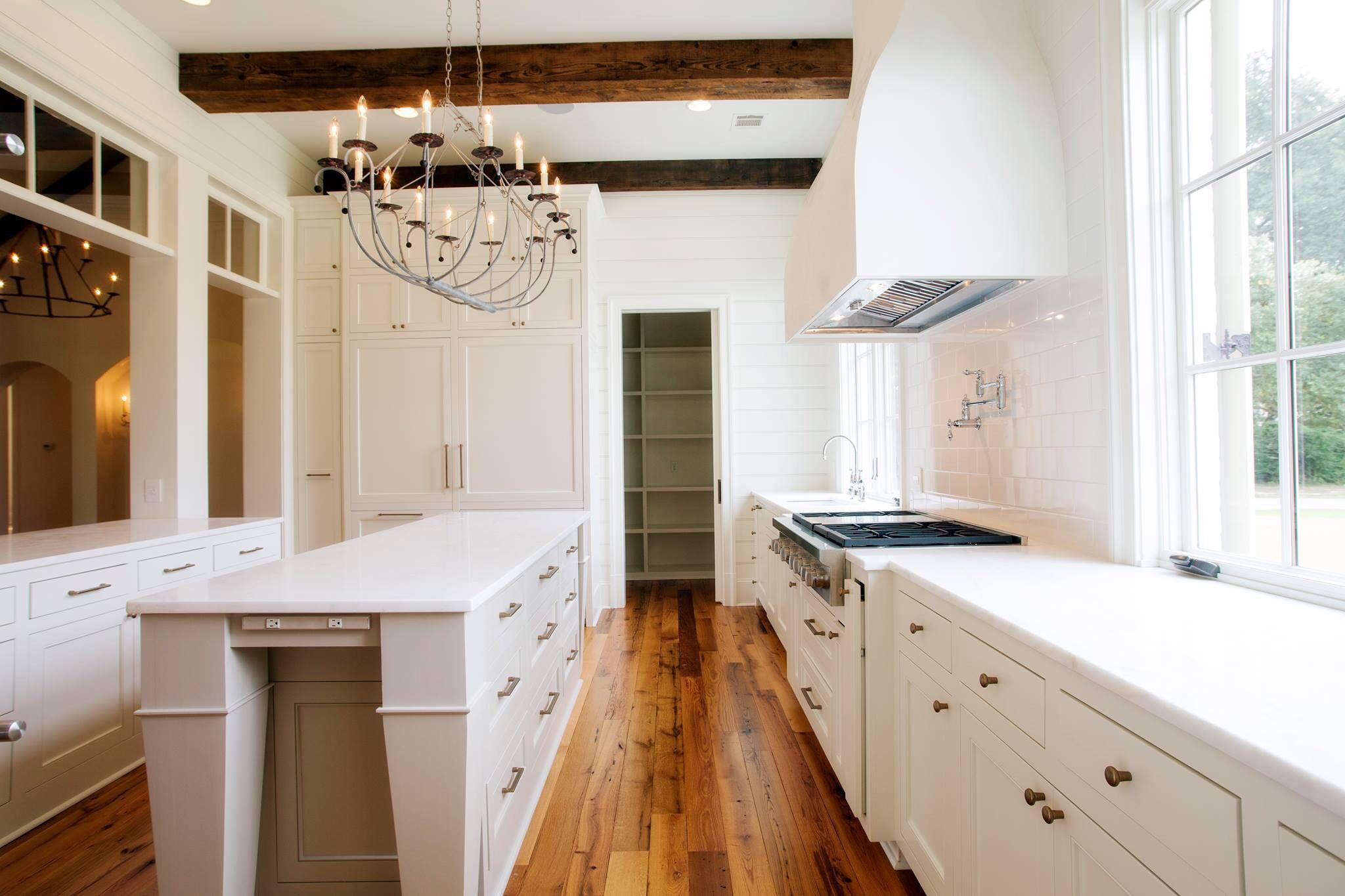 Telich Custom Homes Kitchen Baton Rouge La Gorgeous White Kitchen Gray And White Kitchen White Kitchen