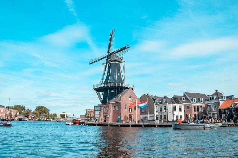 1. Amsterdam 2. Castle Haar 3. Haarlem 4. Maastricht 5. The Hague ...