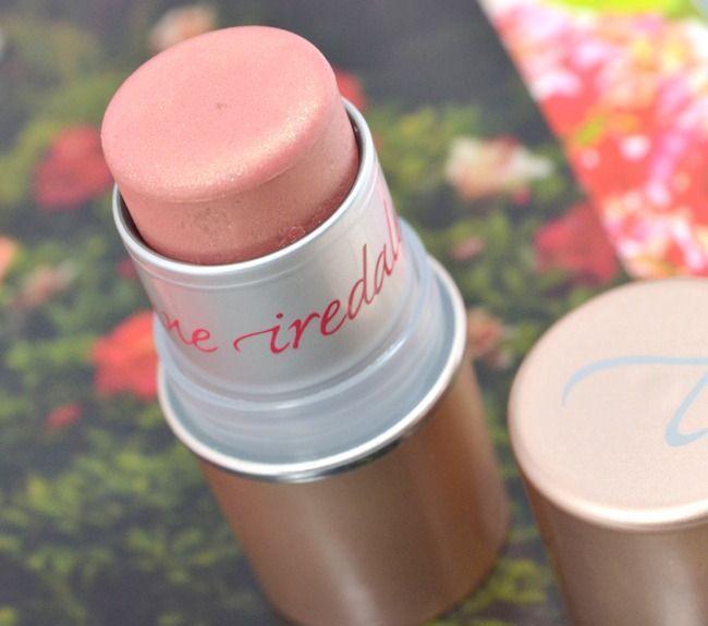 Με ένα προϊόν είστε έτοιμη για την εβδομάδα που μόλις ξεκίνησε! Μάτια, μάγουλα και χείλη με το in touch blush στην απόχρωση chemistry!