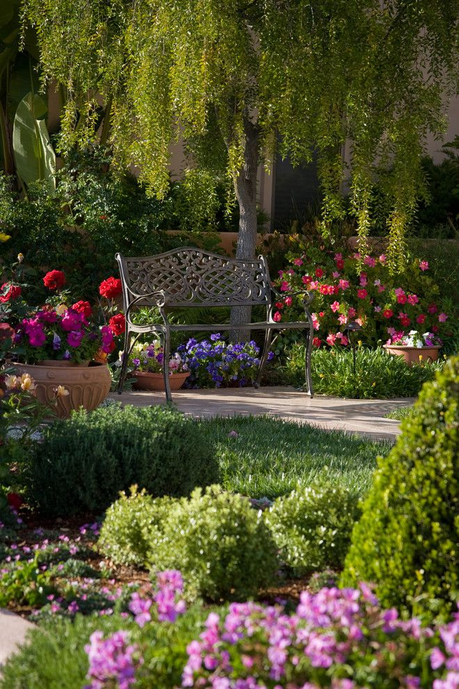 Garden Glory Spruce Up Your Flower Bed With Our Top 5 400 x 300