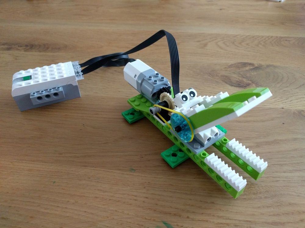 Lego moc moc-6718 wedo 2. 0 crocodile building instructions and.
