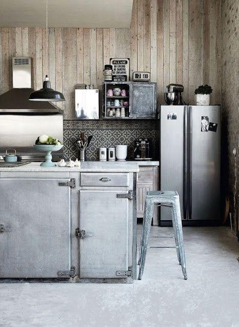 steel and wood (via Interior inspirations)