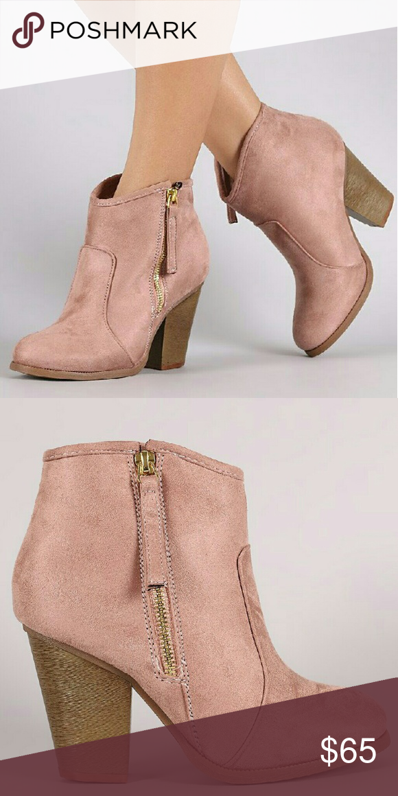 a2f103e5723 NWT Blush Pink Suede Chunky Ankle Boot 5.5 / 6 NWT faux suede ankle ...