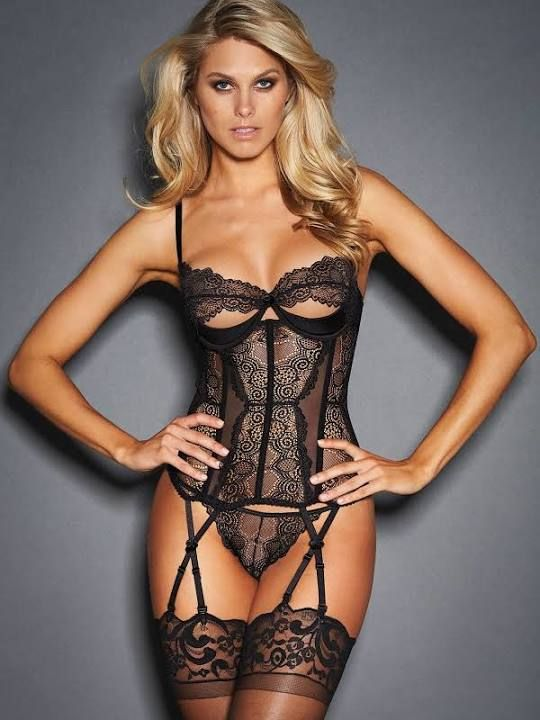 896533dcf quarter cup corset with garters