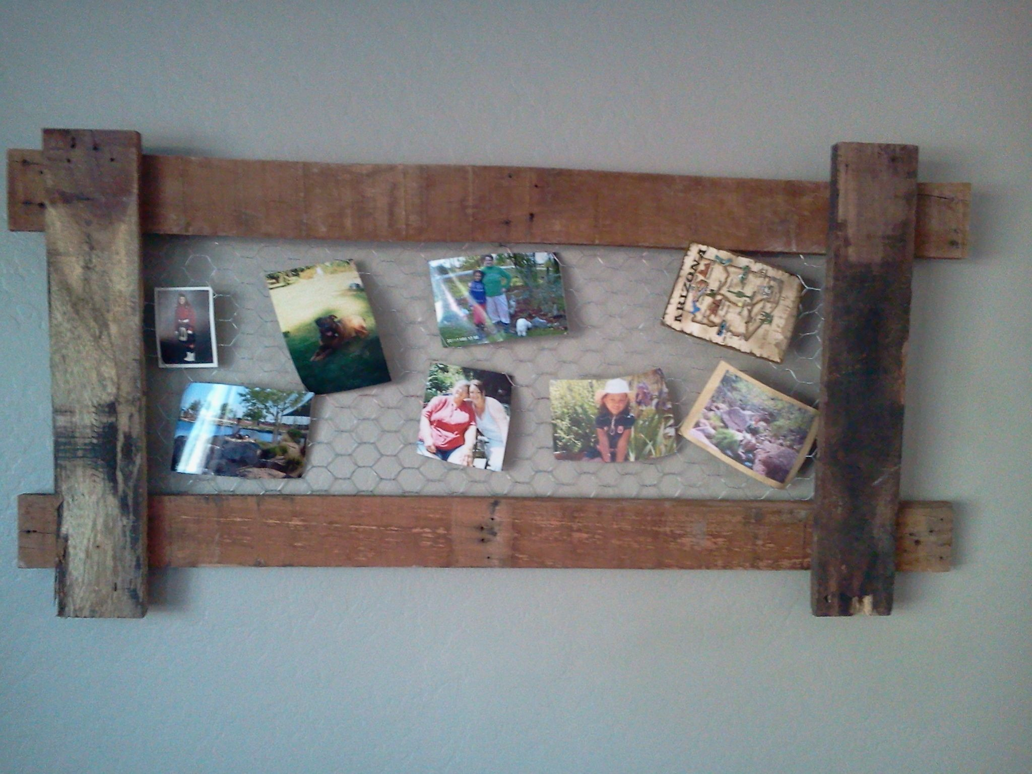 repurposed picture frame. Made from reclaimed pallet boards and ...