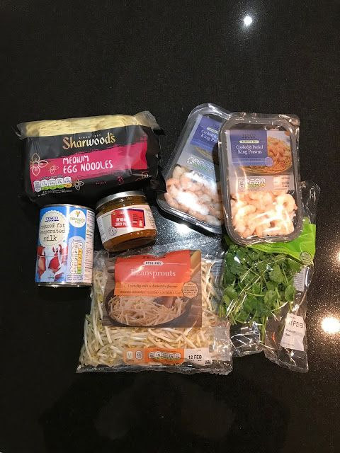 This Has To Be The Easiest Recipe Ever: Thai Noodles With Prawns