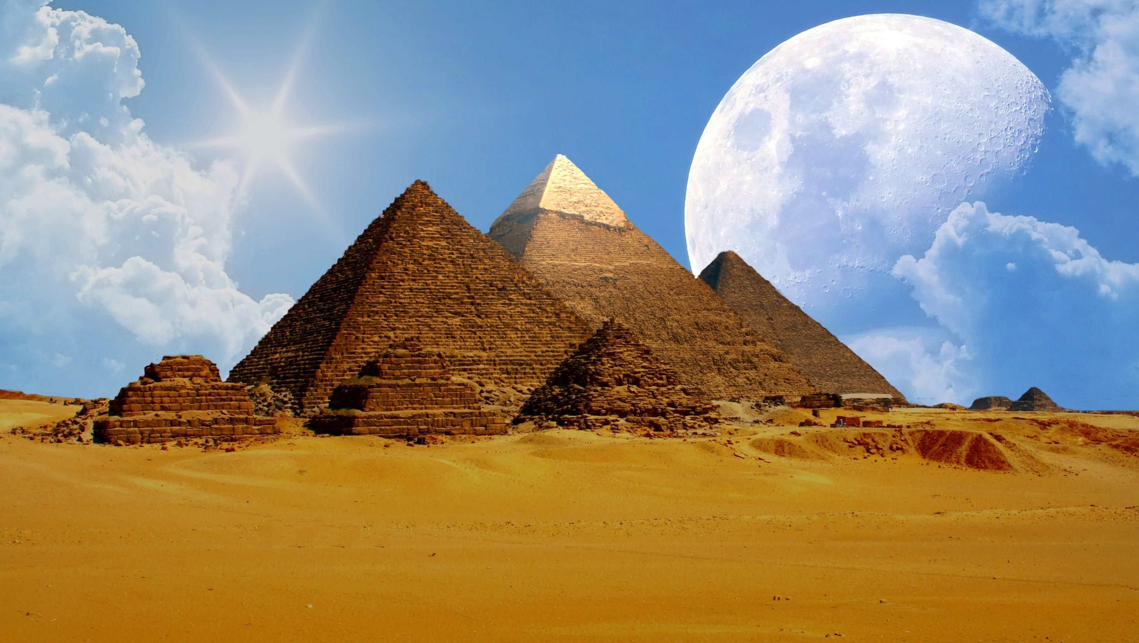 Pin By Maritha Stein On Characters In 2020 Pyramids Sky Photos Giza