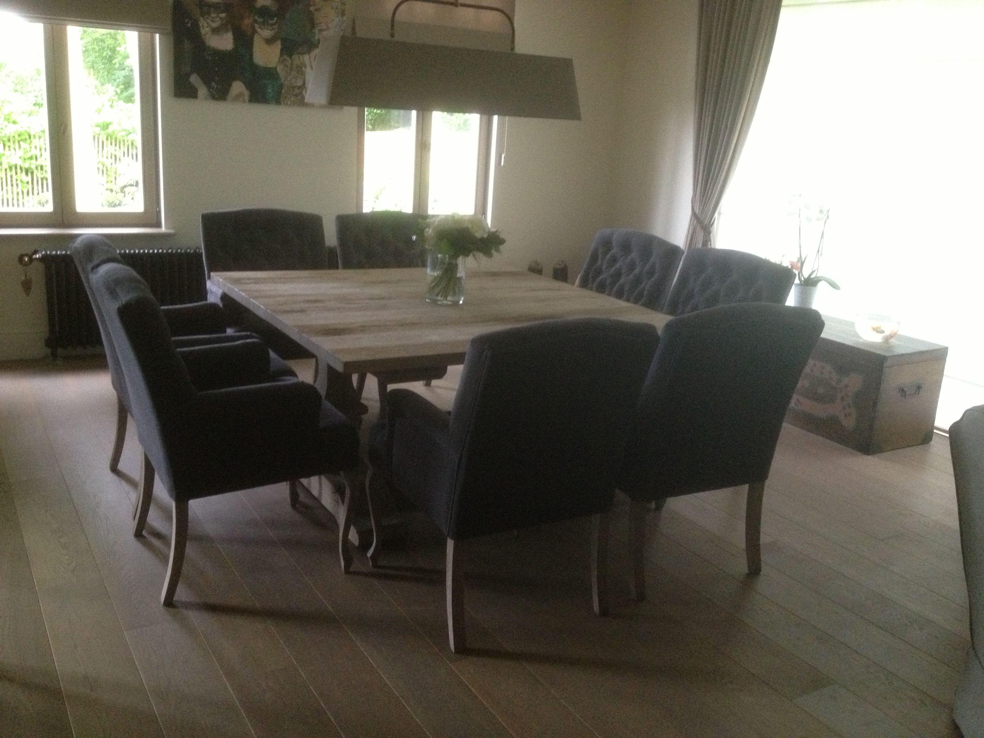 Robuuste Vierkante Eettafel.Op Maat Gemaakte Vierkante Eikenhouten Tafel Met 6 Gecapi