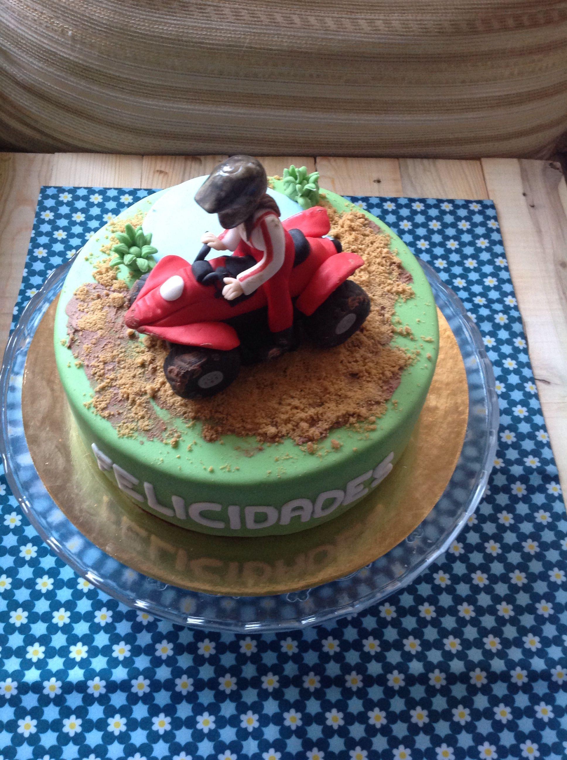 Quad Fondant Cake Tortas Franco In 2019 Cake Fondant Cakes Und