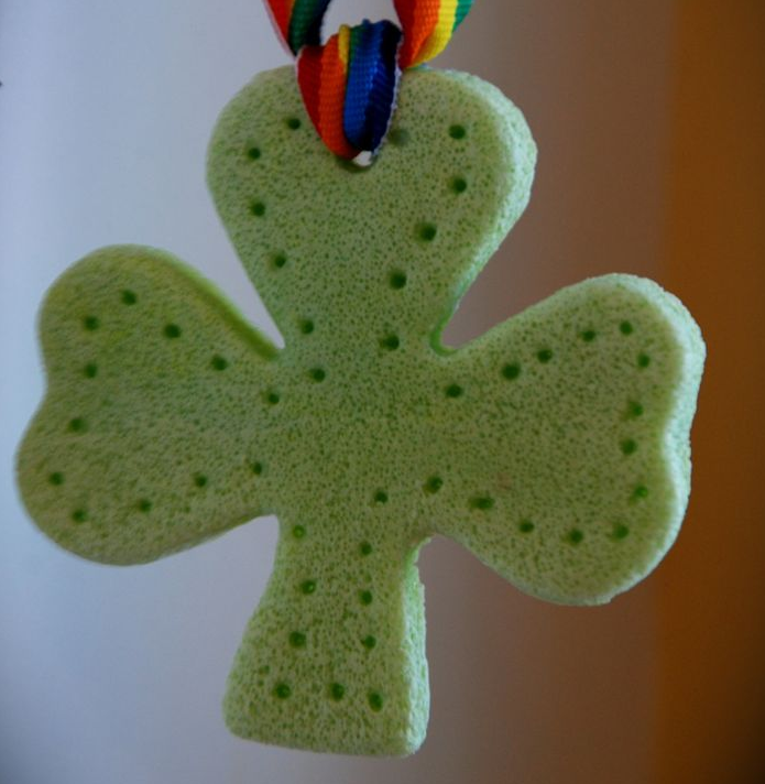 Saint Patrick's Day Crafts - The kids will love making these salt dough shamrocks. They'd also make a cute pin.