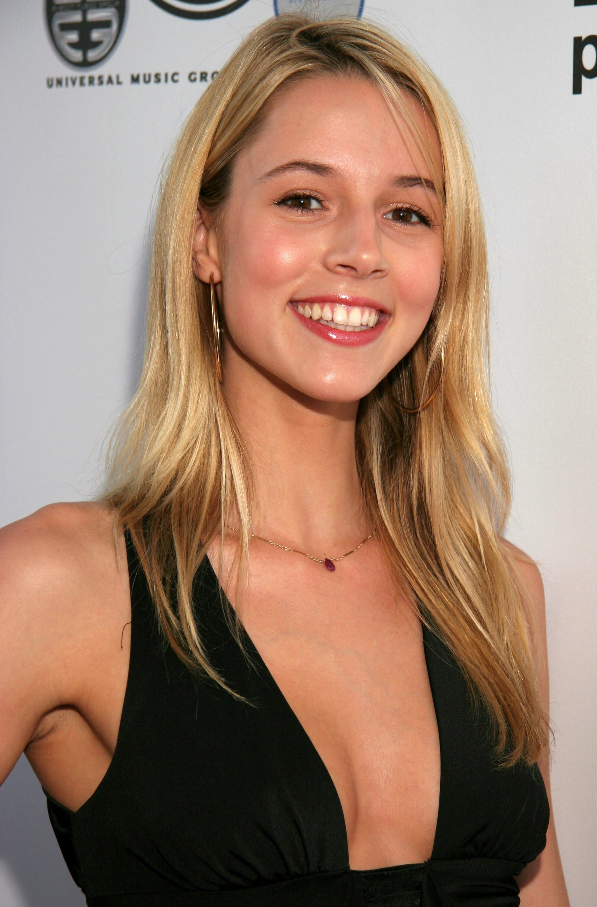 Alona Tal Photos