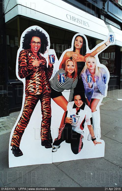 495d50ee612  THE SPICE GIRLS  CARDBOARD CUTOUT A life-size cardboard cutout standee of  the group made for the Pepsi promotion