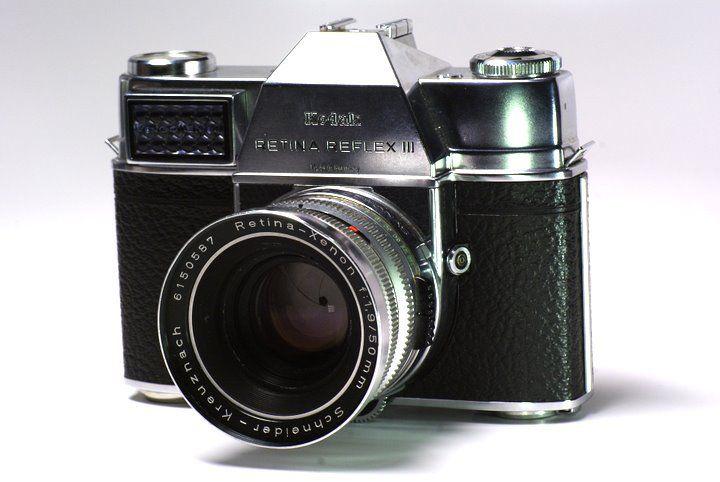 Kodak Retina Reflex III. Reflex 35mm con ajuste de apertura integrado en la camara. Semi-Automatica. Exposimetro de Selenio. Sincronizacion con Flash Pronto-Compur (PC). Hot Shoe.     $200