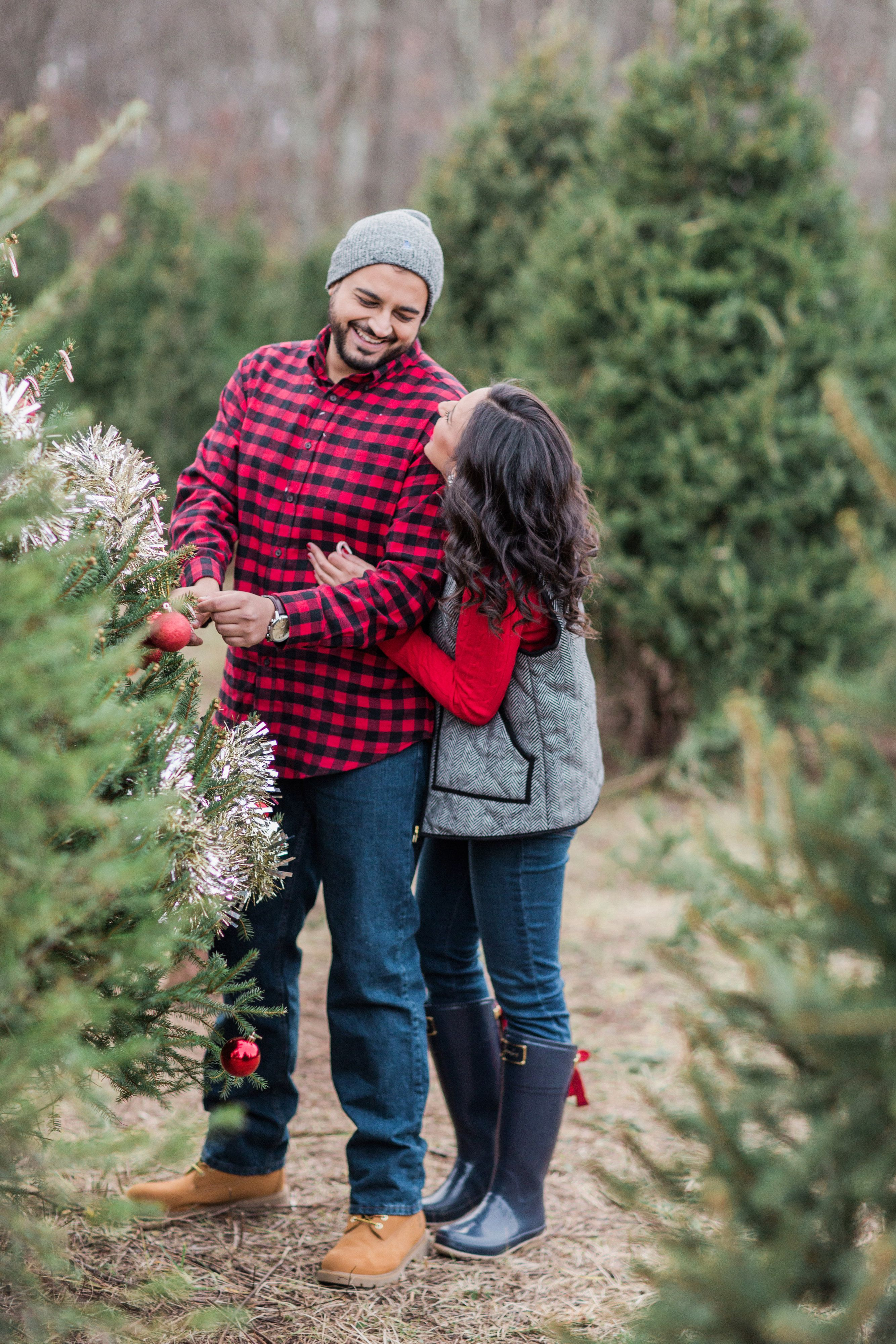 This Tree Farm Engagement Shoot Will Have You Wishing For Xmas Again Engagement Shoot Outfit Christmas Pictures Outfits Winter Engagement Photos Outfits