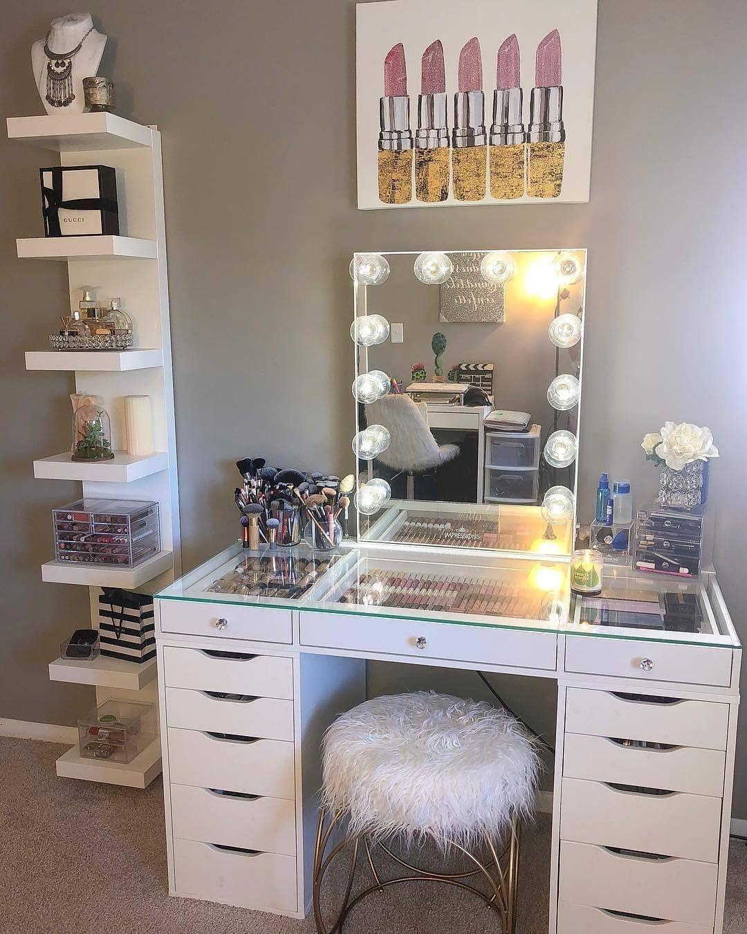 Vanity mirror makeup aesthetics bedroom decor