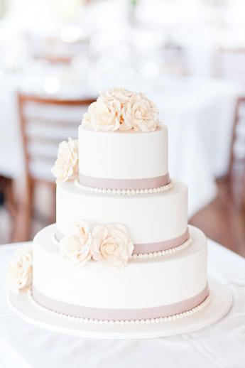 Simple cake (w/ peonies....)
