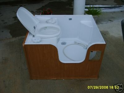 rv bathroom toilet and shower - Google Search | Our "|400|300|?|en|2|99d01e8e30199833f91d4238133ceab7|False|UNLIKELY|0.3292836546897888