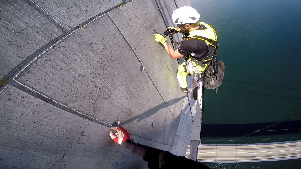 A picture of the FieldNotes app in use during an inspection of the pylons of the Great Belt Bridge in Denmark in July 2016. http://www.steptwo.com.au/award-winner/cowi-supporting-site-inspectors-field/?utm_campaign=coschedule&utm_source=pinterest&utm_medium=Step%20Two&utm_content=COWI%3A%20Supporting%20site%20inspectors%20out%20in%20the%20field