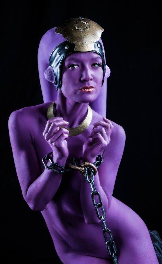naked twi leek girl