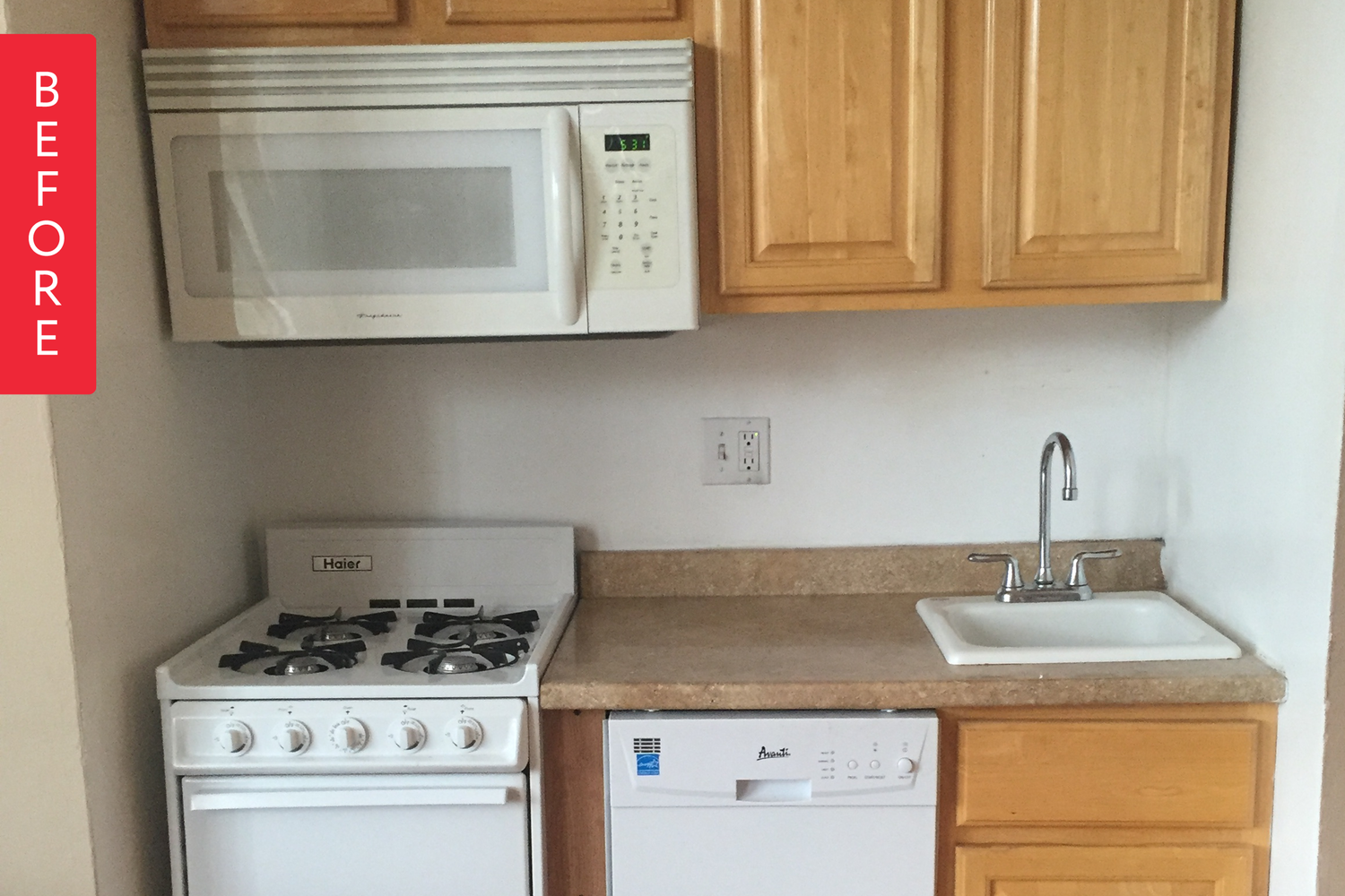Before & After: A Teeny Kitchen is Transformed on a Budget   Sala de ...