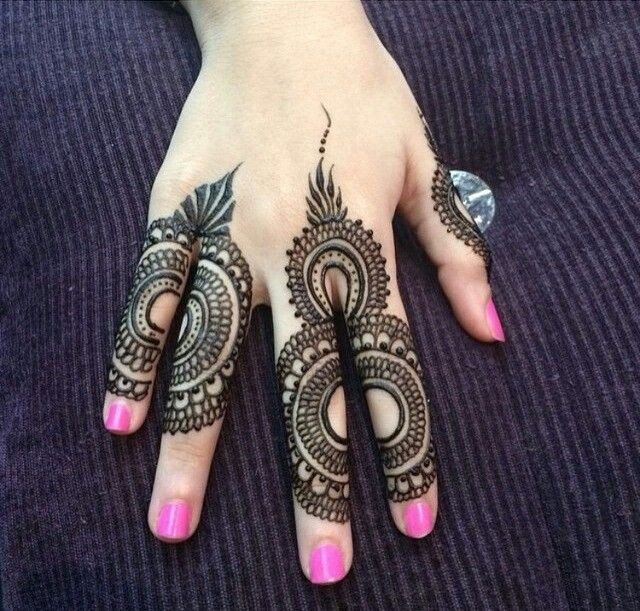 25 Trendy Henna Tattoo Designs To Try For Your Hands: Mehndi Designs For Fingers