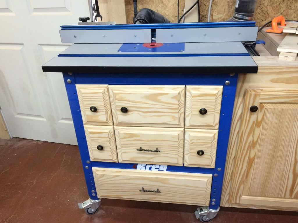 Kreg router table cabinet woodworking jigs and tools for Building kitchen cabinets with kreg jig