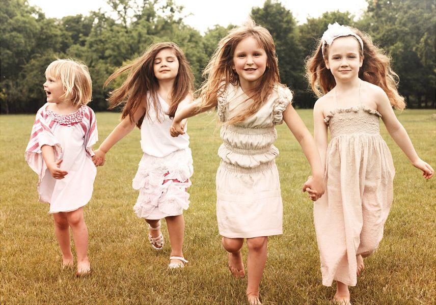 Bermain bersama anak anak membawak efek lebih segar ketika melihat mereka tersenyum karena kami