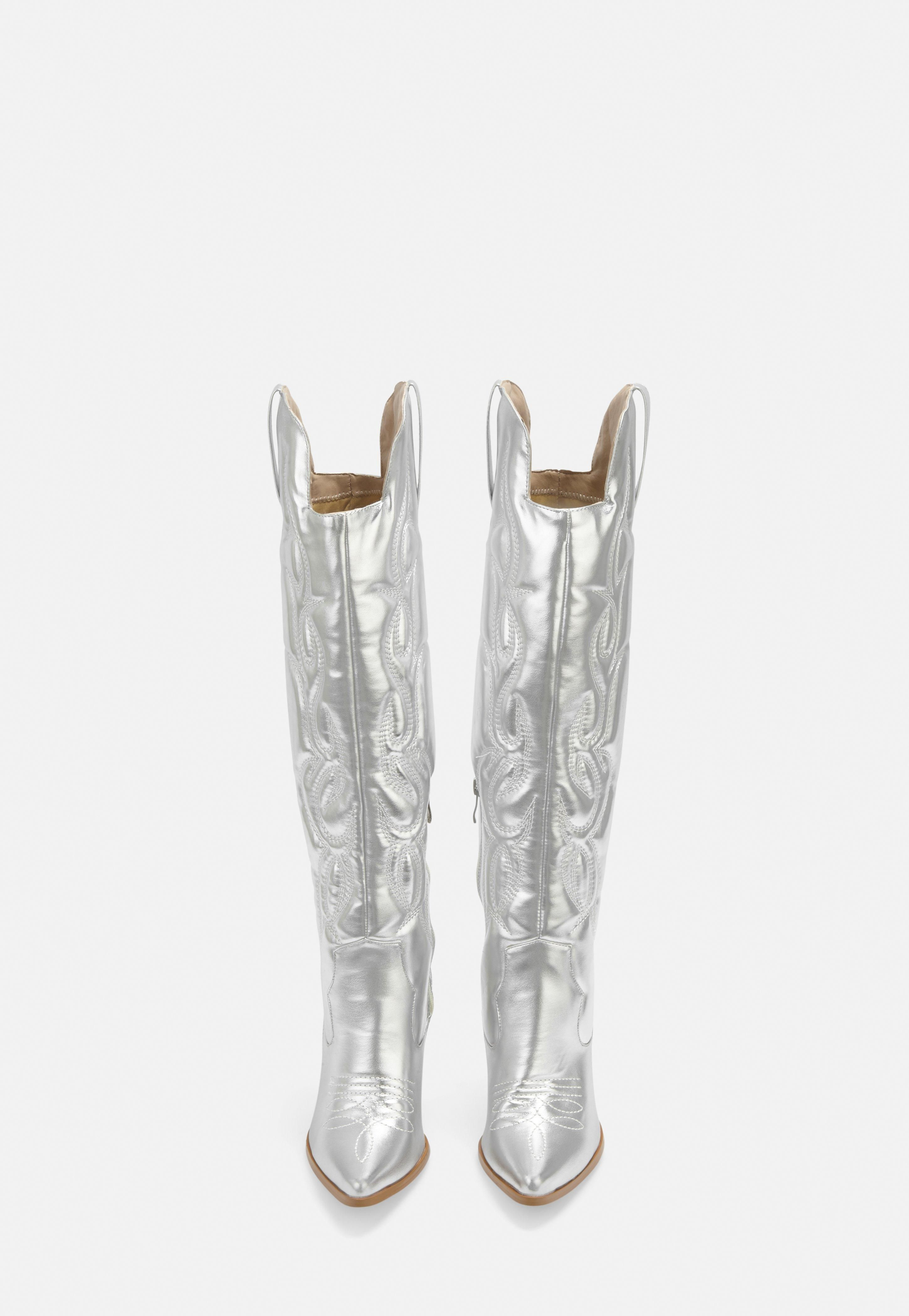 Silver Faux Leather Padded Western