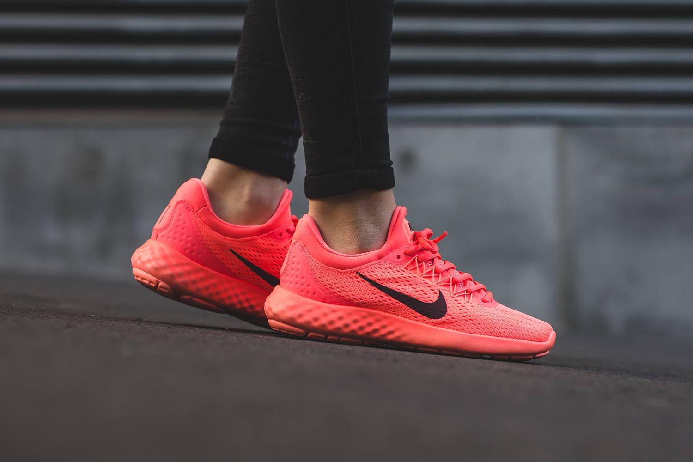 Nike Lunar Skyelux – Hot Punch / Night Maroon – Lava Glow