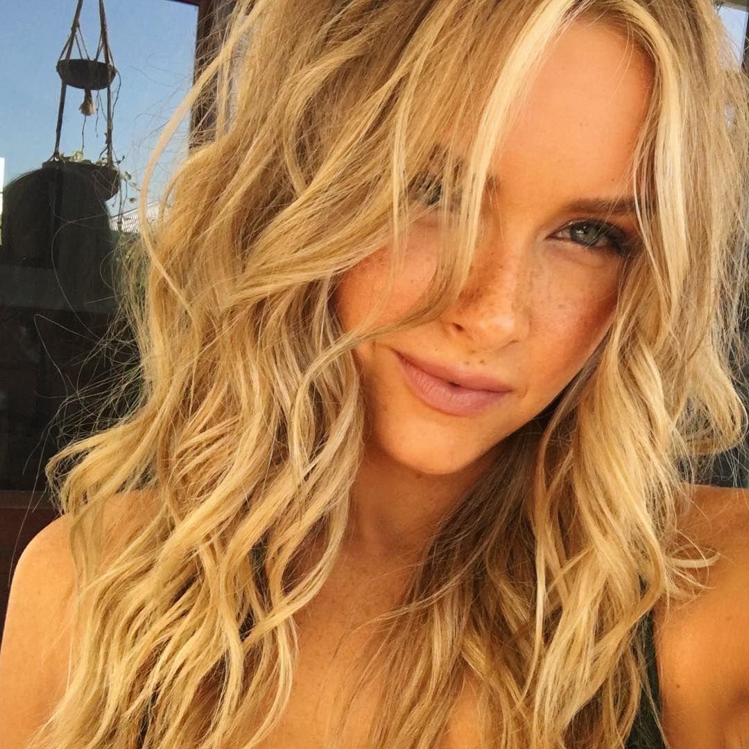 Camille Kostek (camillekostek) on Instagram Beach hair