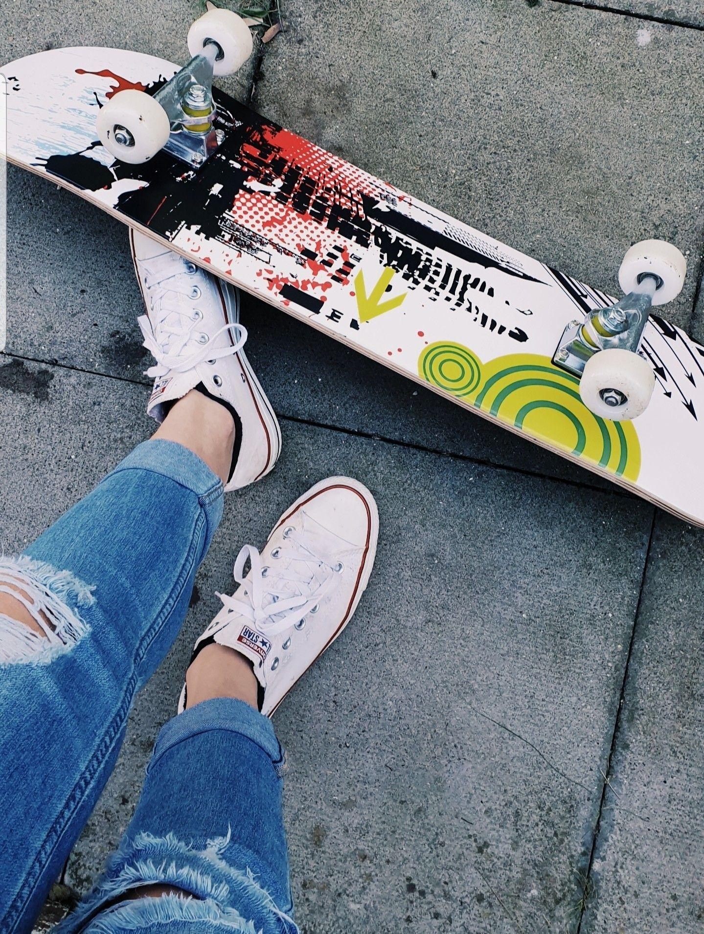 Skateboarding Aesthetic Jeans And Converse Skateboard Skater Girls