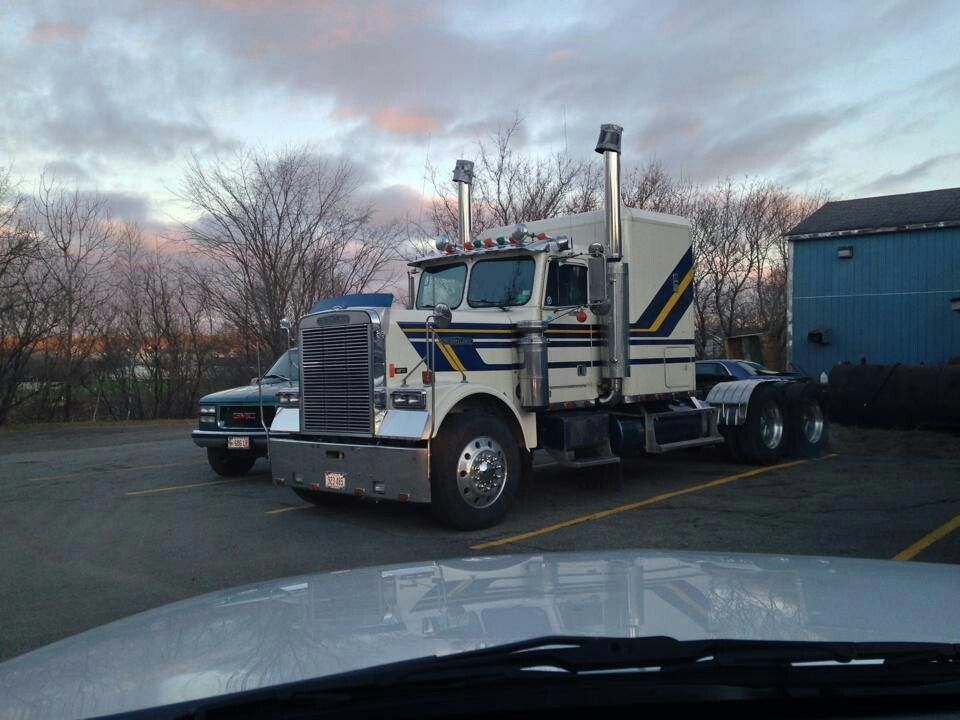 The Pork Chop Express From The Movie Bid Trouble In Little China Big Trucks Freightliner Trucks Freightliner