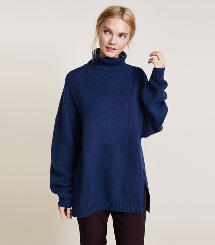 ffc08f8da6d Save These 11 Oversize-Sweater Outfit Ideas for the Dead of Winter via   WhoWhatWear