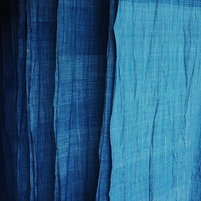 Playing around with new dye techniques to give us different shades of this beautiful natural indigo. #soleswithsoul