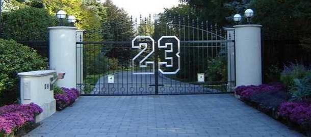 Uno de mis ídolos, Michael Jordan, pone en venta su casa de Chicago. El número 23 presente desde el primer momento :)