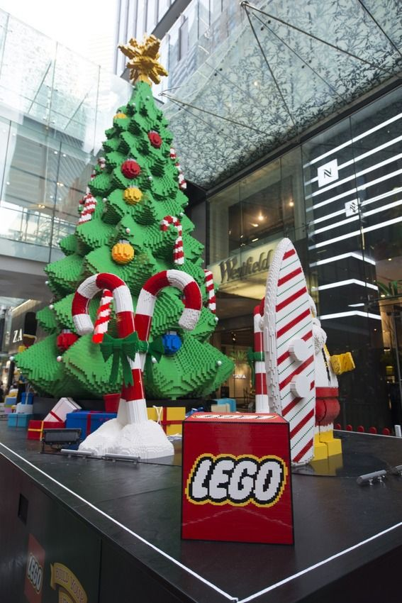The-lego-christmas-tree-at-westfield-sydney_1