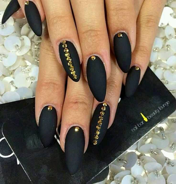 Black Nails with Stones | BEAUTY | Hair, Makeup, Nails | Pinterest ...