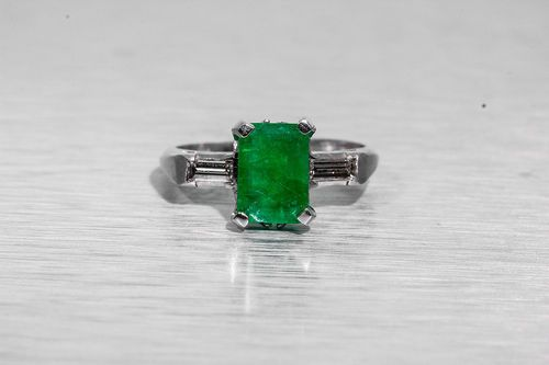 Antique 1930s Colombian Emerald Diamond Platinum