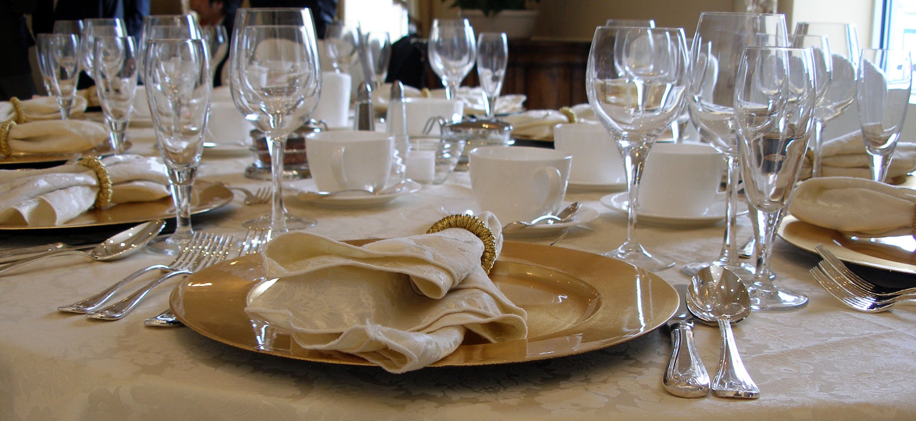 Table setting for fine dining google search table for Fancy dinner table