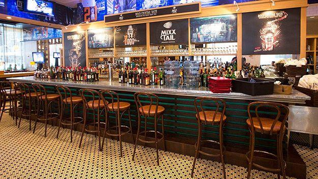 Best Bars Restaurants Near Penn Station Madison Square Garden