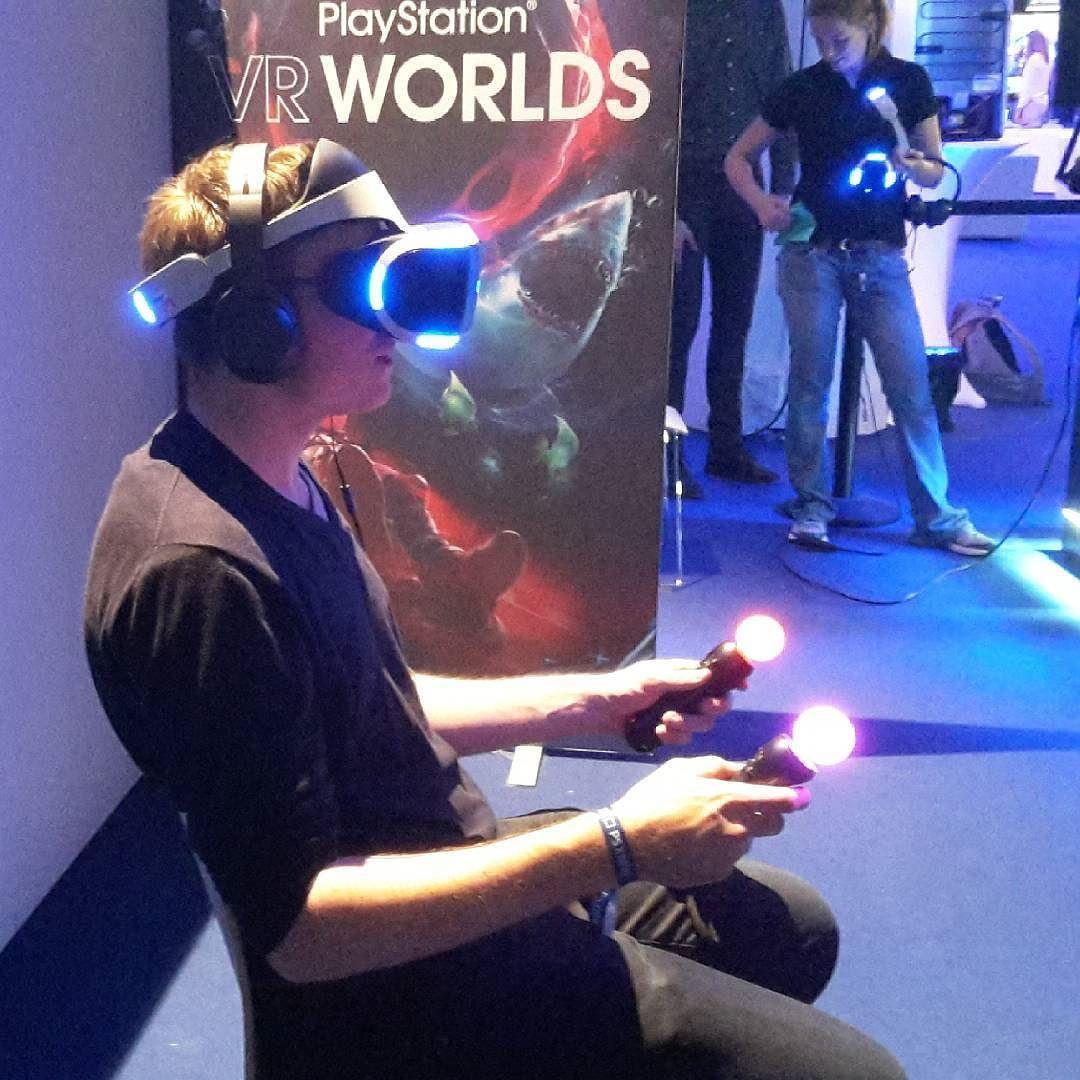 VR Brille von Sony... definitiv zu empfehlen!  Ab Oktober dann offiziell verfügbar! :) #vr #brille #sony #playstation #virtualreality #future #b3nny #youtuber #youtube by b3nnytv - Shop VR at VirtualRealityDen.com