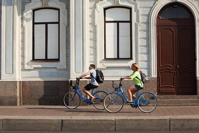 Pyöräilyväylänä toimii kävelytie