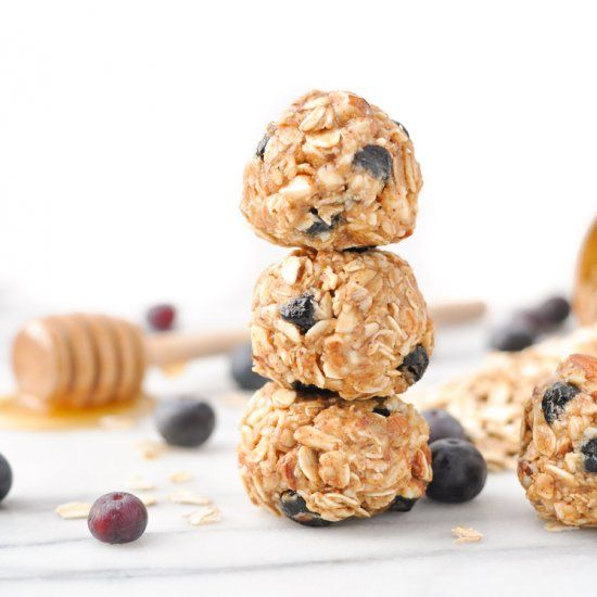 In just 10 minutes you can stock your kitchen with a batch of these healthy 5-Ingredient, No-Bake Blueberry Almond Energy Snacks!