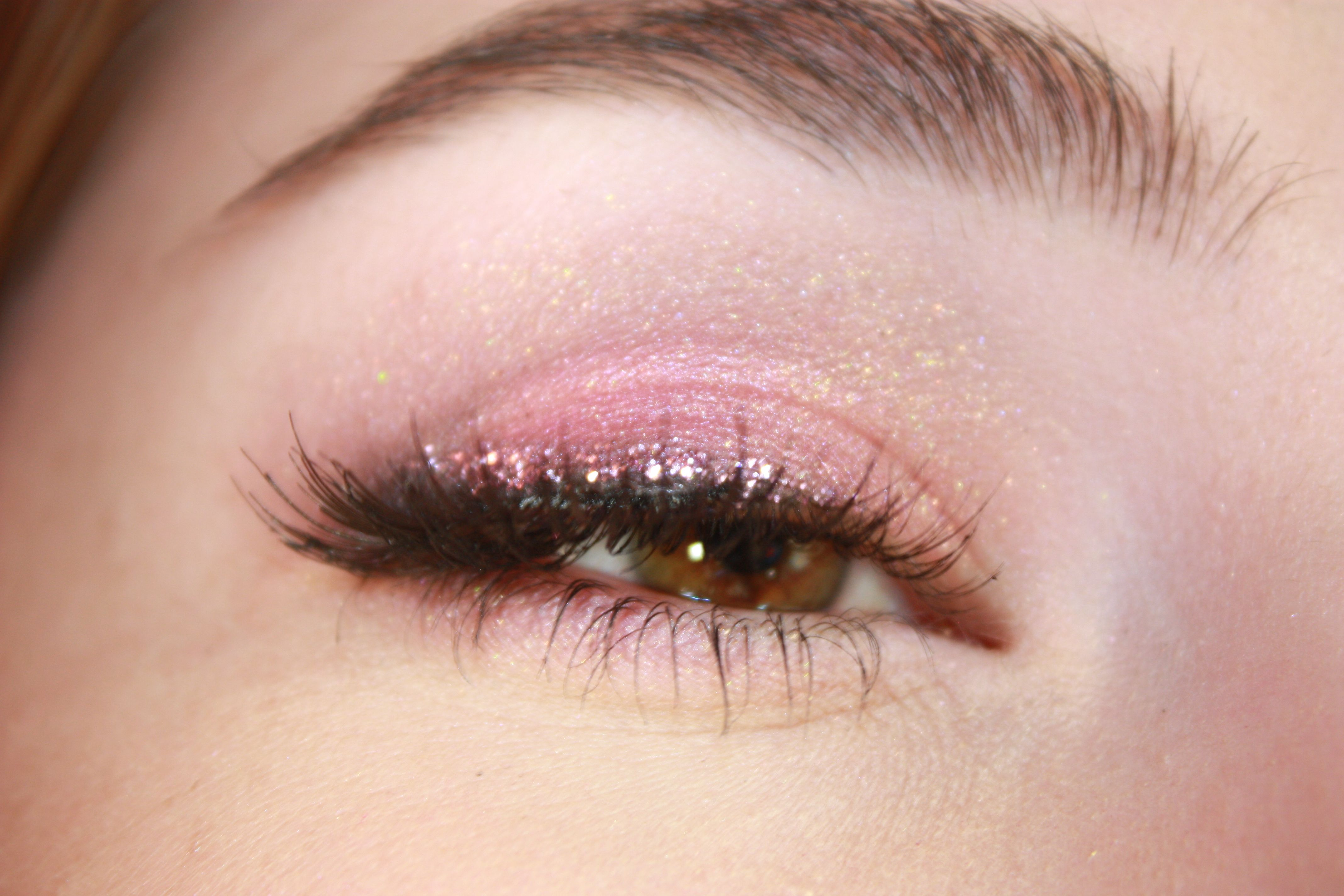 Using E.L.F. cosmetics Brightening Eyeshadow Quad in Glam