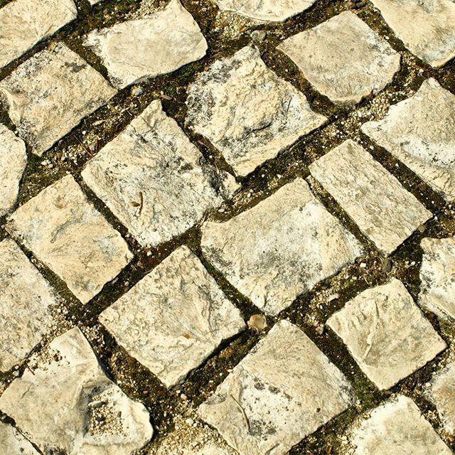 Calçada para nunca perder o chão #calçada #chão #padrão #tiles #floor #manhãsperfeitasblog