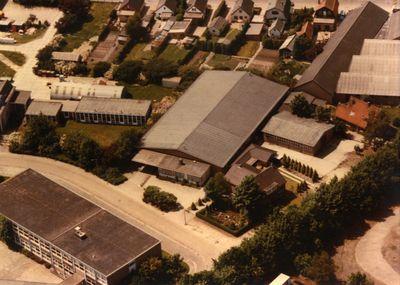 Apeldoorn - Christelijke U.T.S. → Hier detailopname Industriegebied Kayersmolen. Condorweg - Paralelweg. Gemeentearchief - School HTS voor Autotechniek. BRON:  Snelleman, H. - Europeana