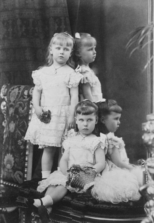 Princess Victoria Melita and Princess Marie of Edinburgh, 1880