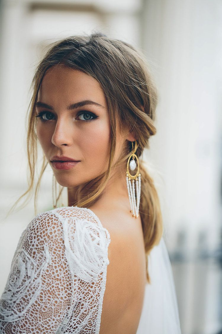 Cool London Bride Wearing Grace Loves Lace In 2020 Wedding Hair And Makeup Bride Makeup Natural Bride Makeup